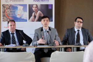 doktor Zoran Golušin u sredini